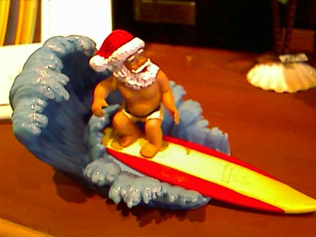 サンタがサーフでやってきた。
