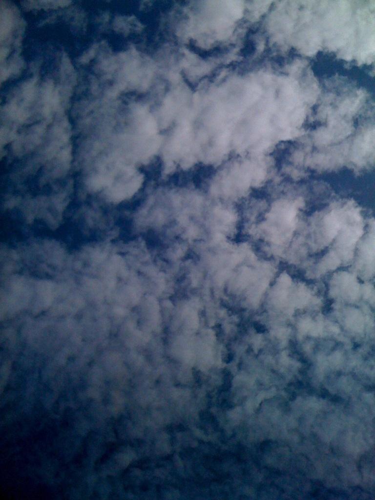 天高く秋の空